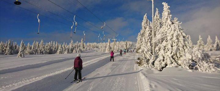 Åpningstider i ski- og kjelketrekket